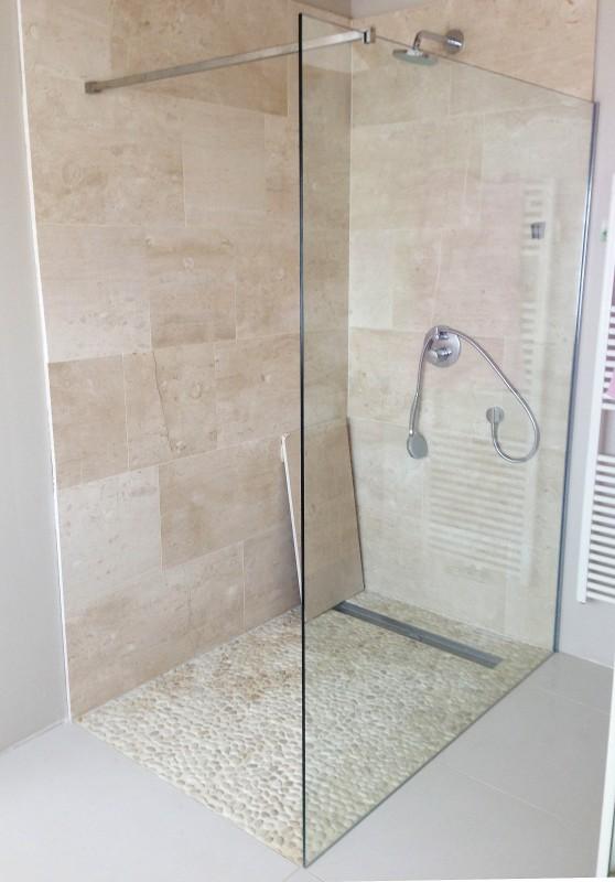 Badkamer dullcon meesters in glas - Glazen kamer bad ...